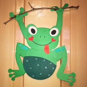 Žabica na veji
